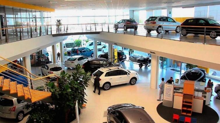 Autoplanes: ordenan retrotraer las cuotas y fijar el precio real del automóvil