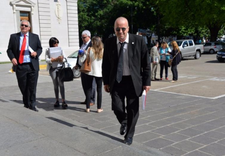 La Comisión de Acuerdos pasó a cuarto intermedio hasta el 8 de noviembre el pretendido proceso de destitución al Defensor Provincial