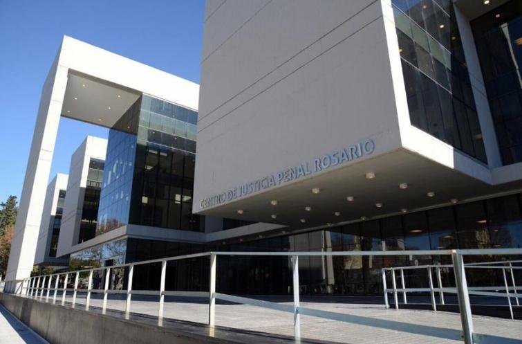 Dictaron prisión a dos jóvenes acusados de golpear al hombre que permanece con muerte cerebral