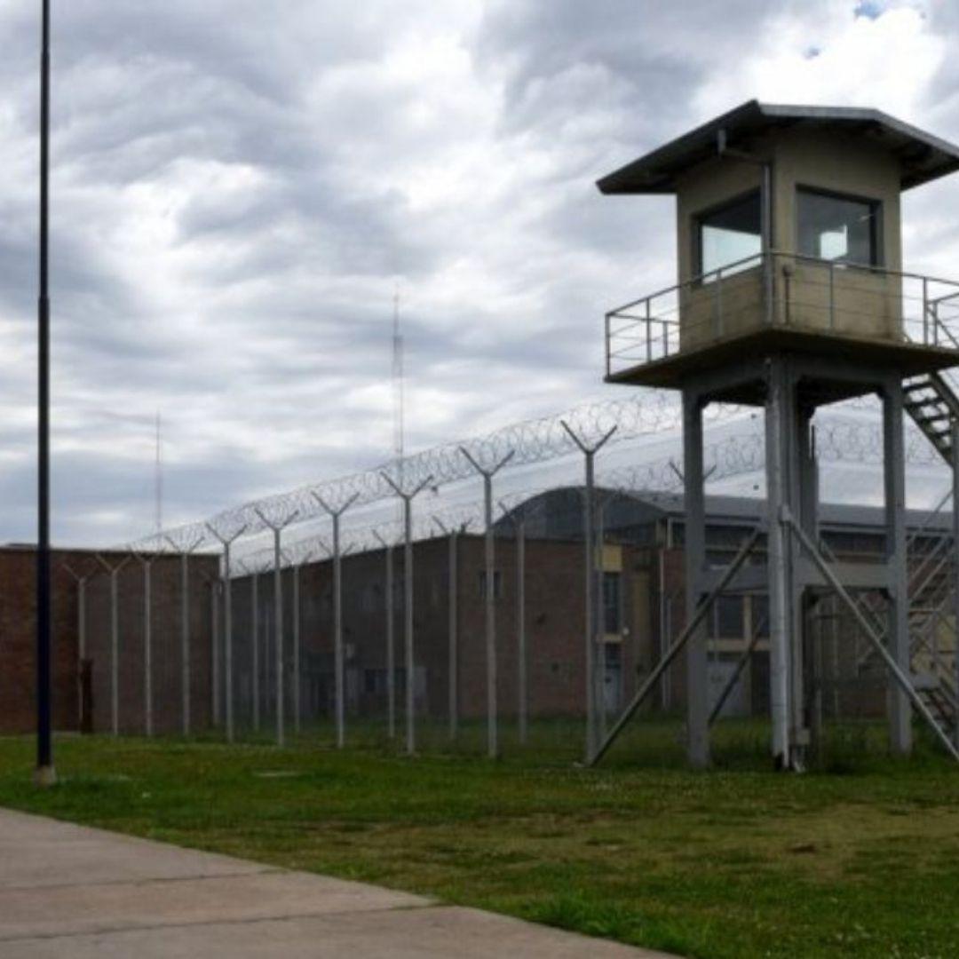 El jefe y otros nueve penitenciarios fueron detenidos por la fuga de dos presos