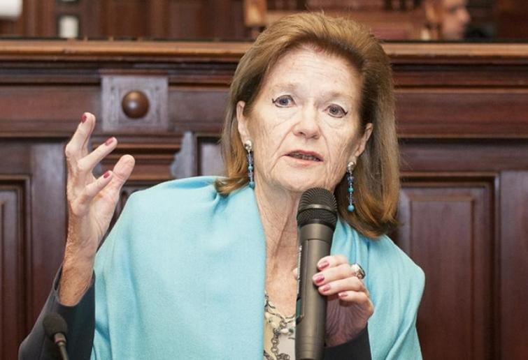 El juez Lavié Pico hizo lugar a un amparo presentado por Elena Highton de Nolasco, vicepresidenta de la Corte Suprema