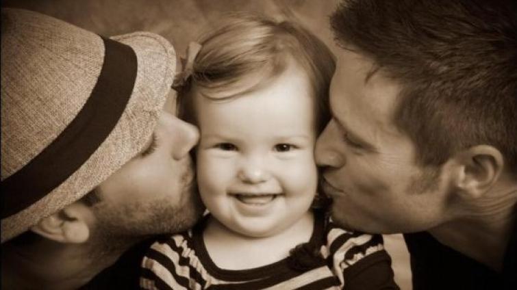Un matrimonio trans de Rafaela logró la adopción de una niña