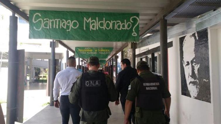 #santiagomaldonado La UNR repudia de manera enfática cualquier intento de amedrentamiento por parte de la fuerza pública