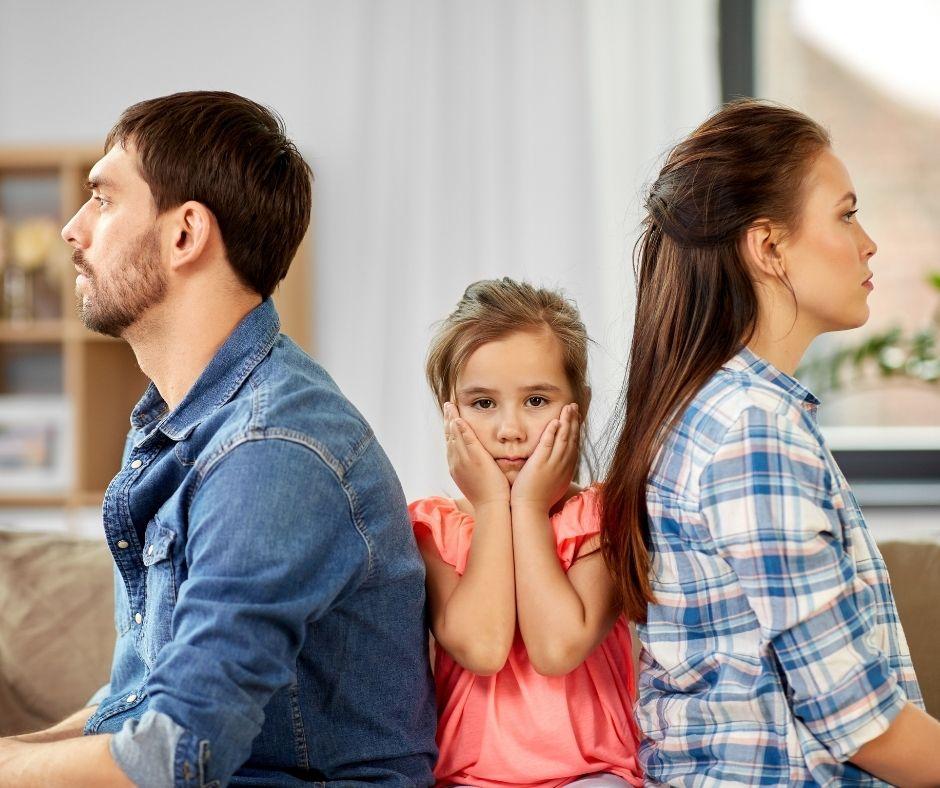 Avalan la reducción de la cuota alimentaria al 17% del sueldo del padre: los motivos