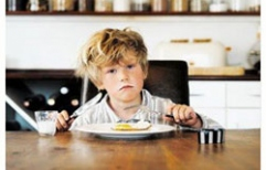 Declaran a empleadora solidariamente responsable del pago de cuotas alimentarias a un niño