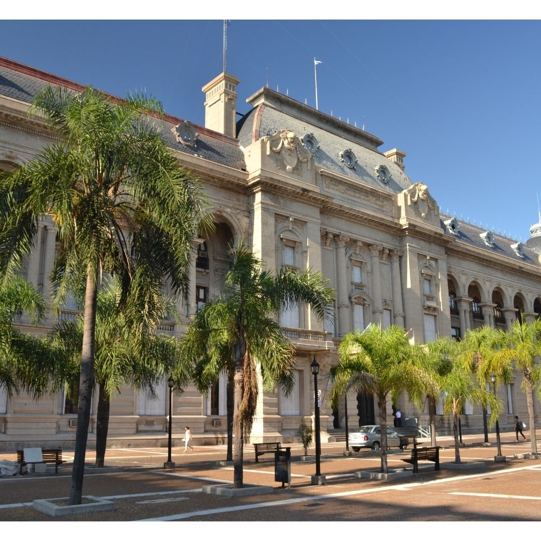 El Gobernador Omar Perotti y el Presidente de la Corte Suprema de Santa FE, Roberto Falistocco firmaron convenios de cooperación en el marco  del Programa Santa Fe+Justicia