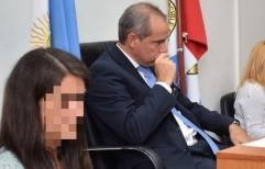 El juez de alzada Dr. Gustavo Salvador revocó prisión preventiva ordenada por el juez Hernán Postma a una mujer madre de un niño con leucemia