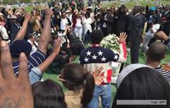 La muerte de otro joven negro desató la violencia en Estados Unidos