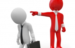 Sin doble indemnización para los estatales: ¿es legal diferenciar a empleados públicos de privados?